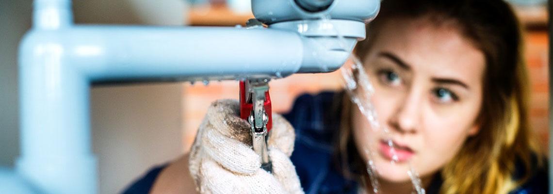 Remédier à une fuite d'eau sans être obligé d'effectuer des destructions de supports
